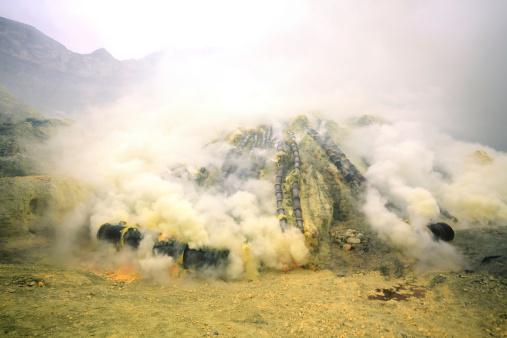 sulfur-mine